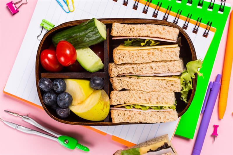 healthylunchbox.jpg